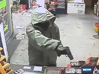 Police: after store is held up, clerk takes cash for himself