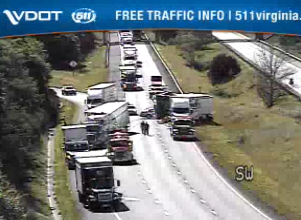 Accident blocks I-81 in Montgomery County | News/Talk 960-AM