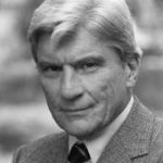 Sen. Kaine reflects on longtime Sen. John Warner after his passing