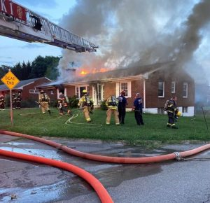 Four people displaced by Salem structure fire