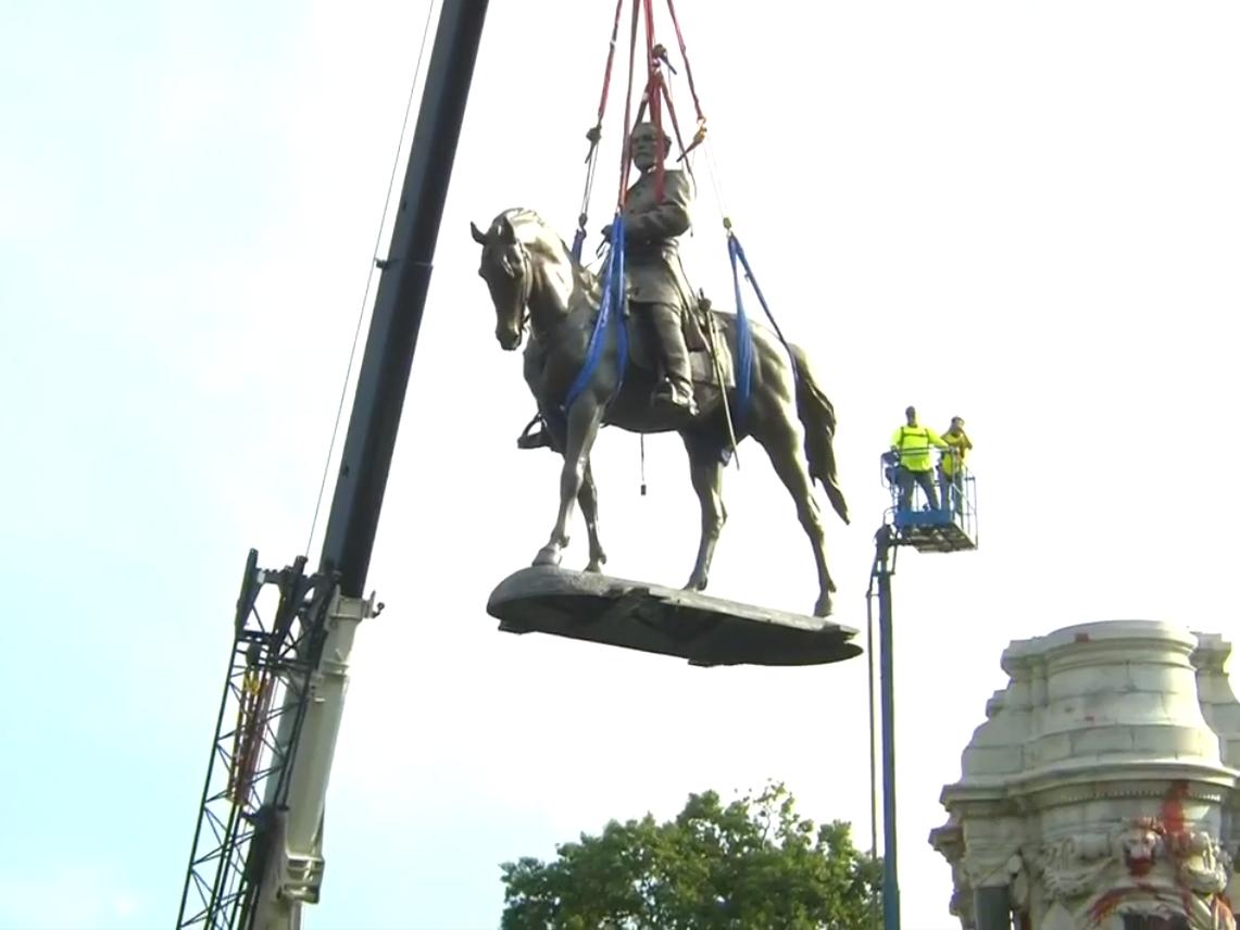 Monument Avenue's largest Confederate statue comes down